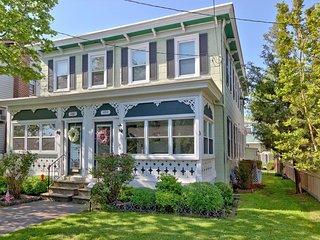 Queen Mayseas Cottage 136125
