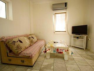 Bodrum City Center Ground Floor Apartment With Garden