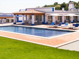 Aroal Villa Sleeps 6 with Pool Air Con and WiFi - 5813005