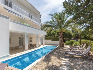 Amazing home in Makarska w/ WiFi, 1 Bedrooms and Outdoor swimming pool