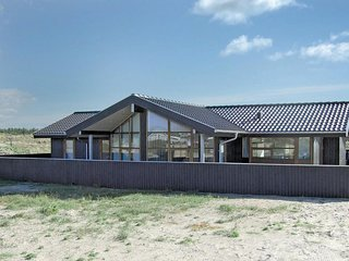 Awesome home in Hvide Sande w/ Sauna, WiFi and 3 Bedrooms