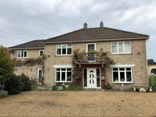 3 bed, 2 bedroom annexe with private garden and hot tub