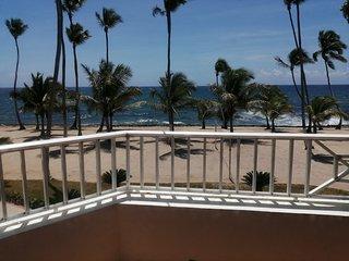 Apartamentos estudio, frente al mar en Juan dolió. A 4 minutos de la playa.