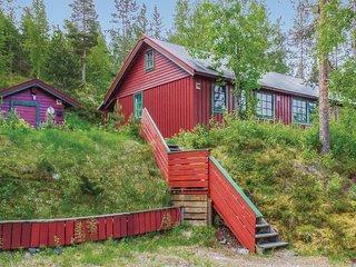 Awesome home in Åkrestrømmen w/ 2 Bedrooms