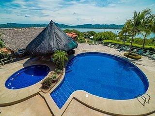 Fully Renovated! Beautiful Oceanfront Condo in Flamingo