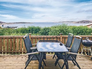 Awesome home in LYSEKIL w/ WiFi and 6 Bedrooms (S08698)
