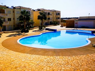 2 bedroom apartment overlooking pool and sea views