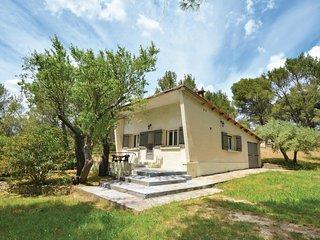 Nice home in Tarascon w/ 2 Bedrooms (FPB141)