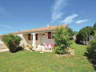 Beautiful home in Pignan w/ 3 Bedrooms