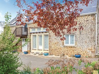 Beautiful home in Vauce w/ WiFi and 3 Bedrooms