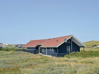 Beautiful home in Hvide Sande w/ Sauna, WiFi and 4 Bedrooms