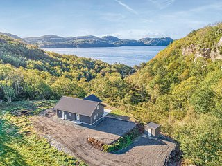 Beautiful home in Farsund w/ WiFi and 4 Bedrooms