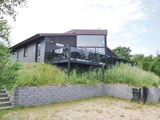 Beautiful home in Glesborg w/ WiFi and 3 Bedrooms (D73075)