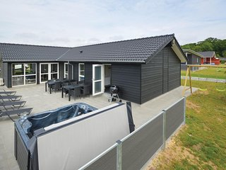 Nice home in Haderslev w/ Sauna, WiFi and 4 Bedrooms
