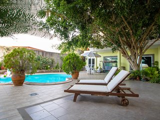 Luxury House with Swimming Pool El Monte