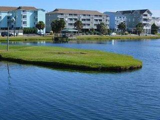 Lakefront, Beachview, Walk to Downtown! Tan-Time!!
