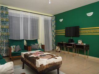 Sefu Furnished Apartments - Green & Gold