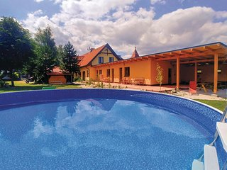 Awesome apartment in Liptovsky Mikulas w/ WiFi, Outdoor swimming pool and 1 Bedr
