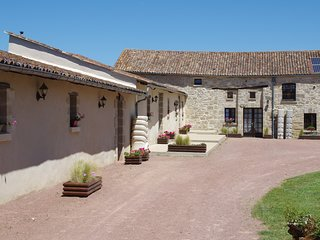 Anjou - Charming Converted Barn
