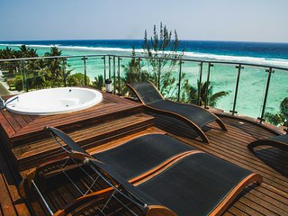 Luxurious Beachfront Suite With Amazing View