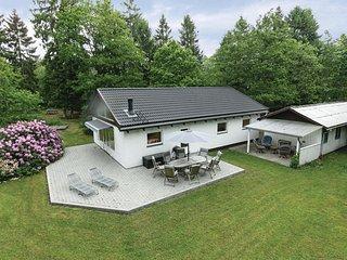 Nice home in Aakirkeby w/ 3 Bedrooms
