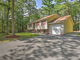 NEW! Poconos Home w/ Game Room-10 Mi to Camelback!