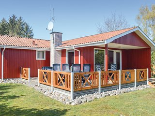 Beautiful home in Hadsund w/ Sauna and 4 Bedrooms (D63838)