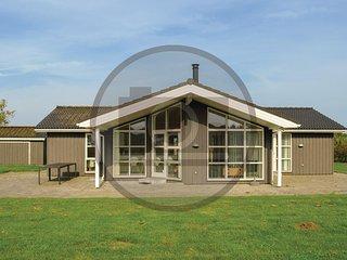 Amazing home in Hadsund w/ 3 Bedrooms