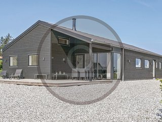 Beautiful home in Haderslev w/ Sauna and 4 Bedrooms