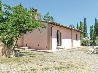 Awesome home in San Miniato w/ 2 Bedrooms