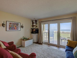 Topsail Dunes 3105 Oceanfront! | Community Pool, Tennis Courts, Grill Area, Elev