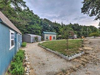 Rustic Whitesboro Studio, Mins to Lake Texoma