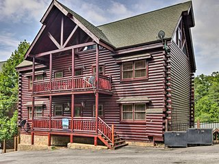 Pet-Friendly Pigeon Forge Cabin w/ Hot Tub!