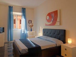 For big groups apartment PRINCIPE AMEDEO. Esquilino area