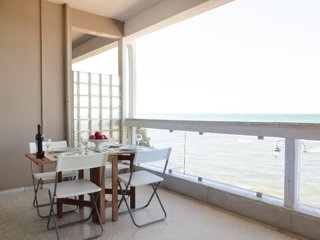 Metaxa seafront apartment Peraia