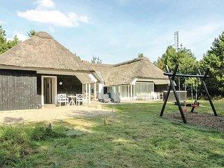 Amazing home in Blavand w/ Indoor swimming pool, Sauna and 4 Bedrooms (P32948)