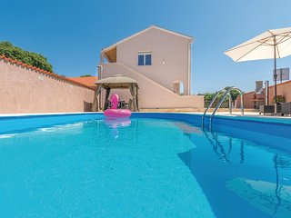 Amazing home in Policnik w/ Outdoor swimming pool and 3 Bedrooms (CDA630)