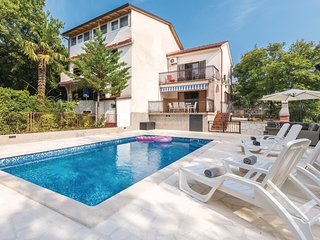 Nice home in Malinska w/ Outdoor swimming pool and 2 Bedrooms