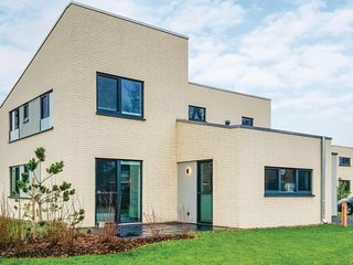 Nice home in Lembruch/Dummer See w/ Indoor swimming pool, Sauna and 5 Bedrooms