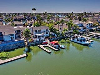 'Margarita Villa' Waterfront Discovery Bay Home!