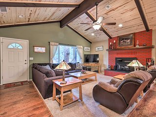 Updated Country Club Cabin Mins to 3 Golf Courses!