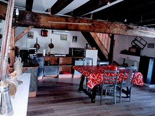 Tres beau gîte indépendant dans le Jura.