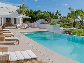 Villa Arushi | Beach Front - Located in Wonderful Rendezvous Bay with Private