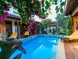 The pool-a great place for socializing with its ledges on each side with perfect height to sit!!