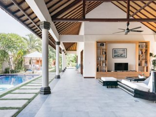 Villa Lotus : Luxury 3 BR Villa in central Lembongan