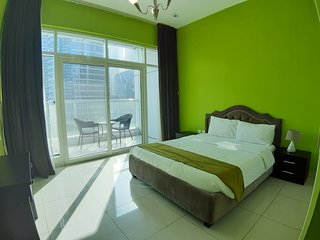 1-Bedroom Apartment with Balcony full Marina view
