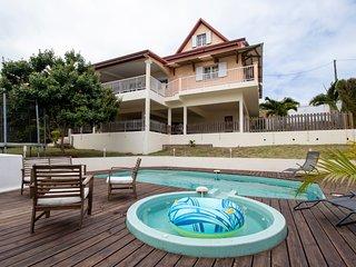 Villa 'Croisiera Lodge Family' in Saint Pierre | Hotel Service by Keylodge