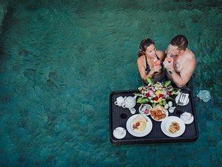 1 BR Luxury Private Pool Villa +B'fast+ Steps from Jimbaran Beach (Allam J)
