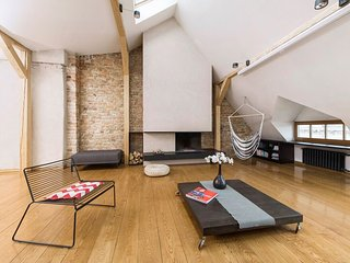 Spacious loft in Art Nouveau area