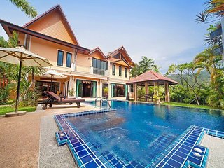 Colorful Thai Heaven, Hot Tub, Pool, Parking